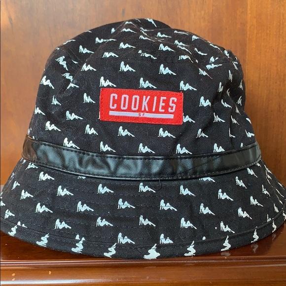 fb3fb5c2f0956 Cookies SF Other - COOKIES SF BUCKET HAT